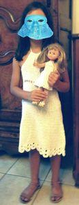Sarah et Camille en robes blanches