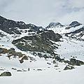 6- Enfin la neige sous la pente du refuge