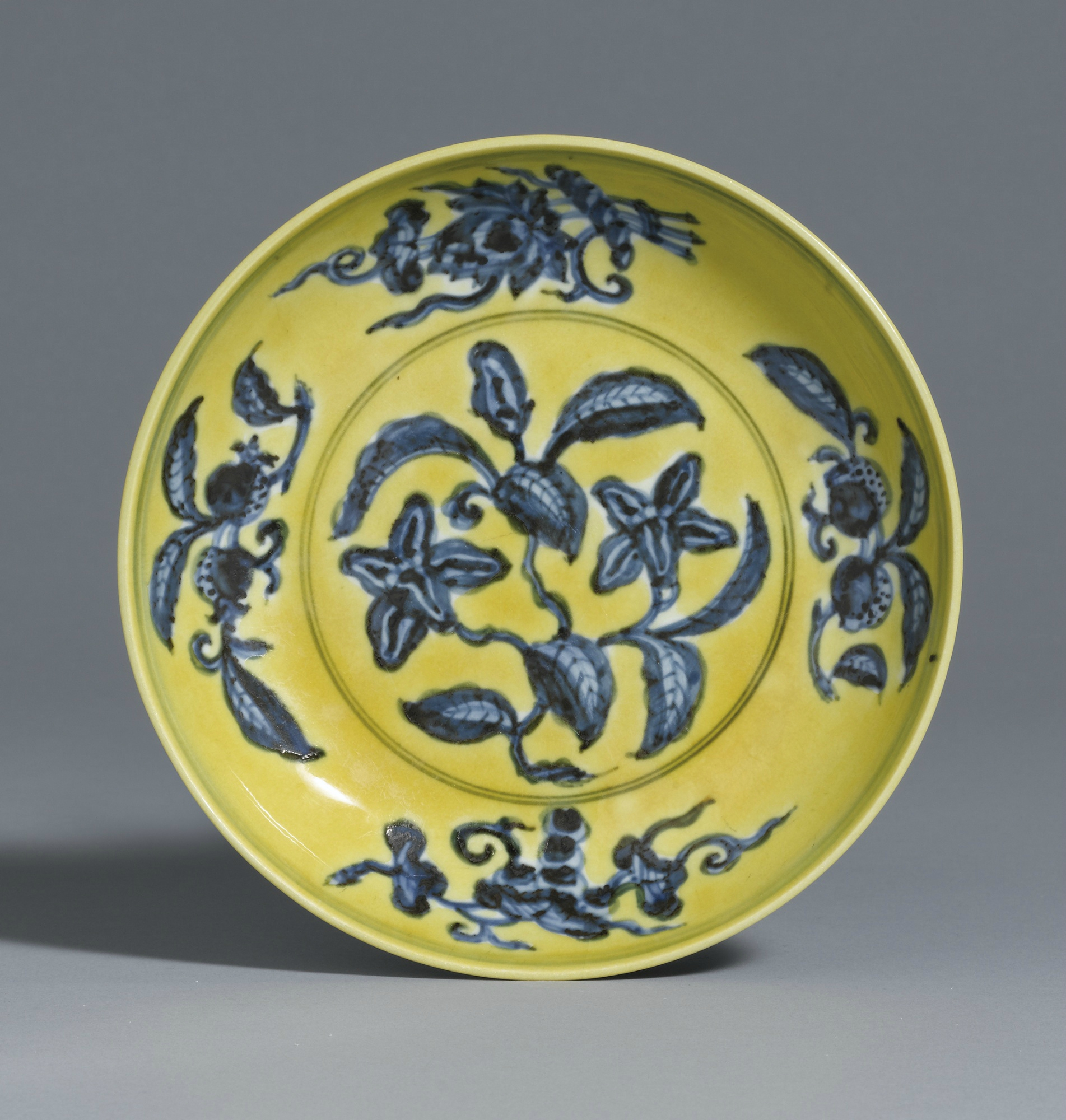An underglaze-blue and yellow-enamel 'Gardenia' dish, Mark and period of Zhengde