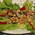 Salade aux fruits de mer et saumon