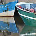 Un port ... la mer , les bateaux et quelques accessoires...