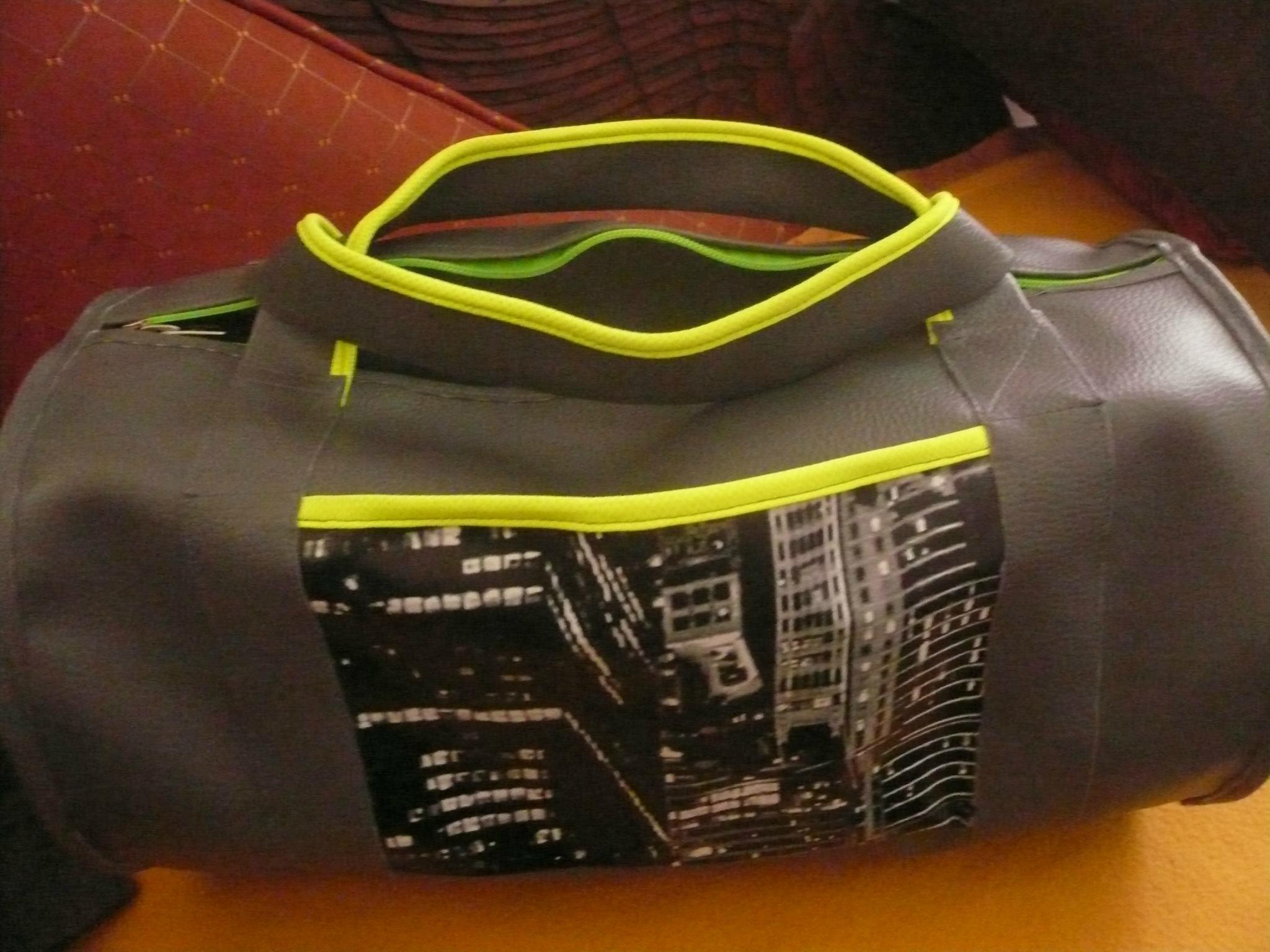 Un sac pour le basket simili et tour Newyork pour Raphaël