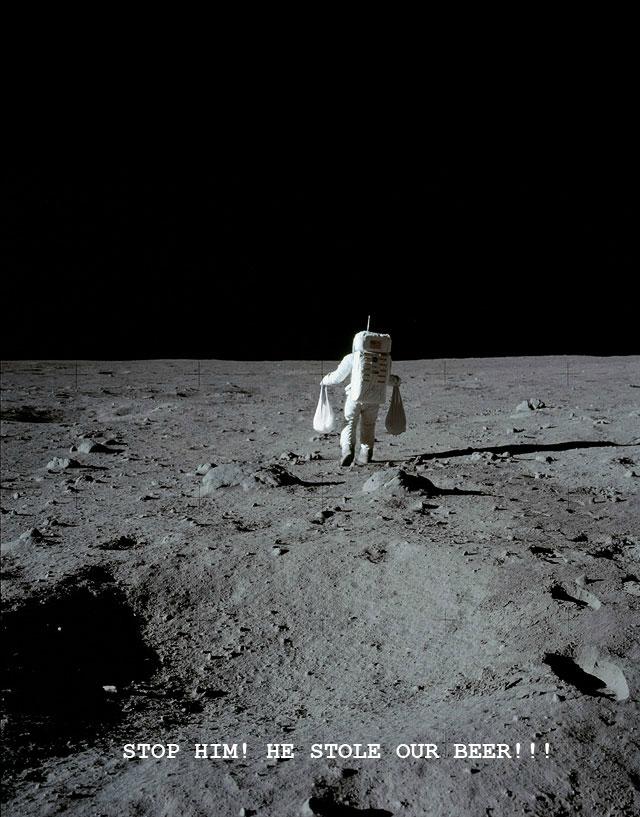 astronaute-vole-sac-plastique