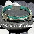 Bracelet étoiles et perles en daim bordé de chaine bleu-vert et daim vert d'eau fantaisie et moderne, bracelet féminin