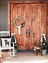 idee-decoration-porte-entree-de-noel-facile[1]