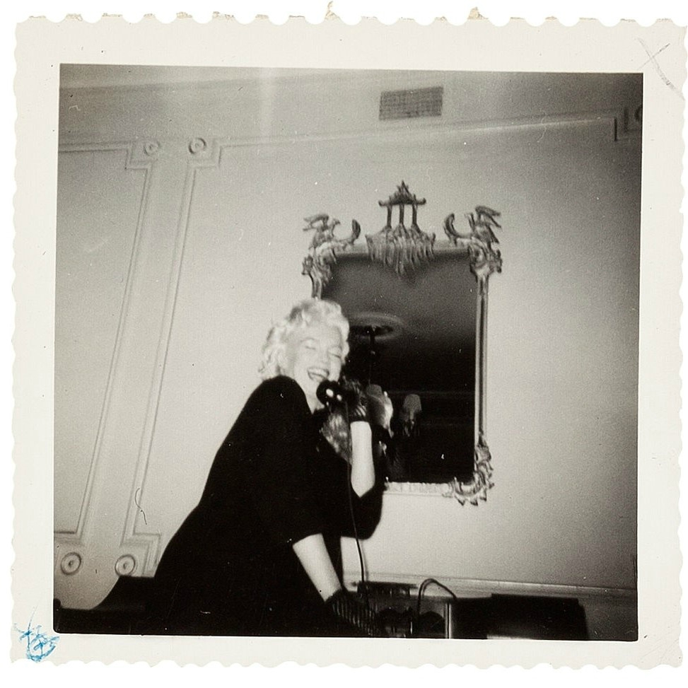 1955-01-26-ny-gladstone_hotel-on_phone-3-2