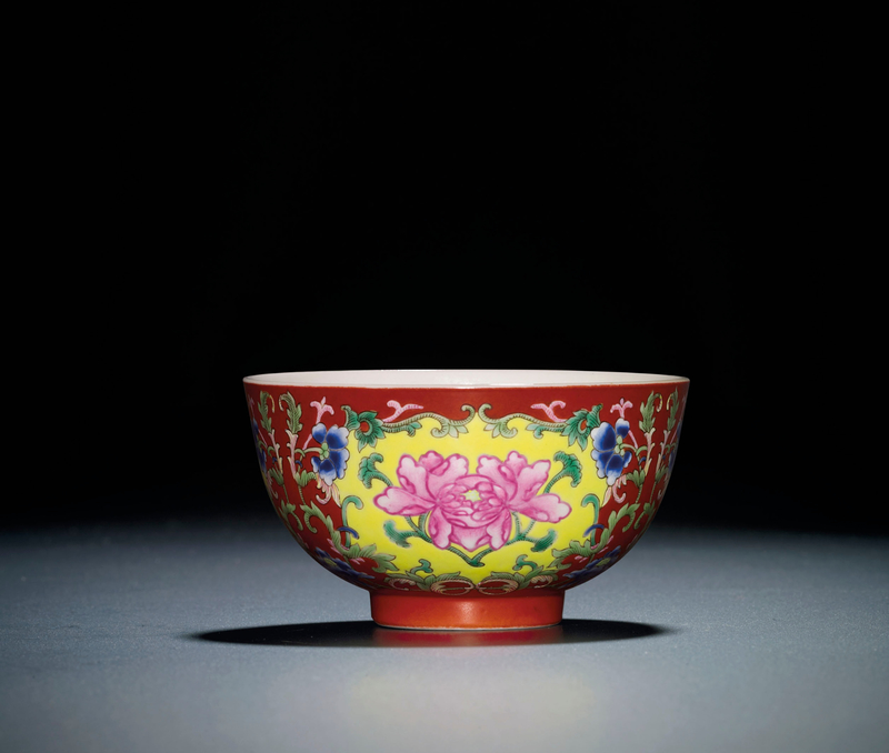 A fine coral-groundfamille rosebowl, Daoguang six-character seal mark and of the period (1821-1850)