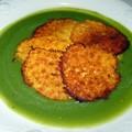 Veloute de haricots verts aux tuiles de parmesan