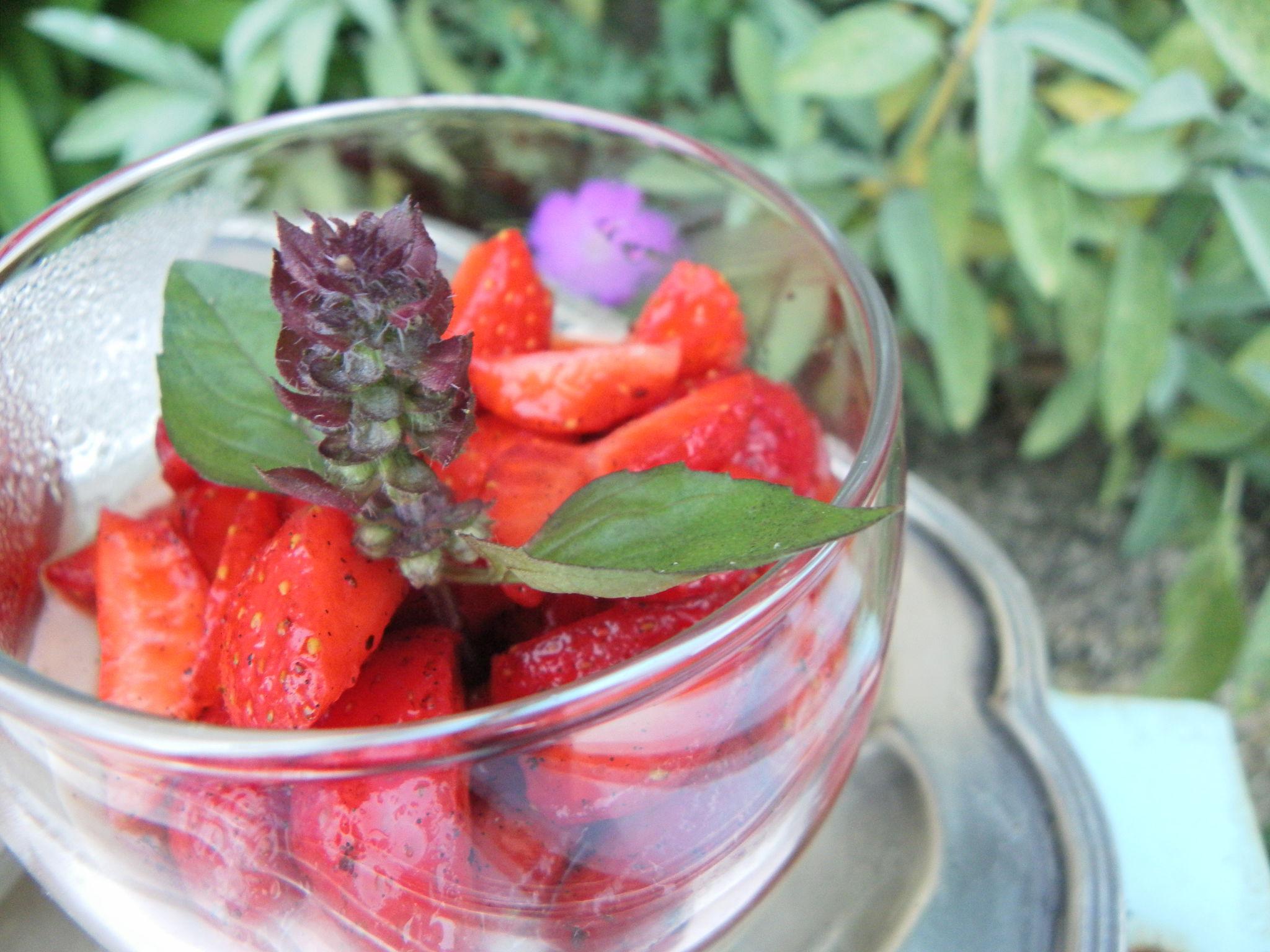 Faites de la gastronomie et mangez des fraises!