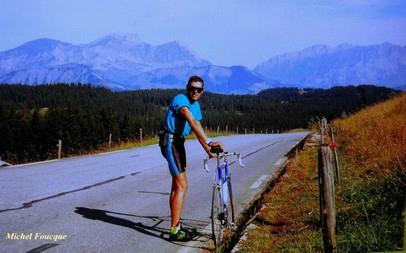 676) Montée à vélo au col des Saisies (Savoie)
