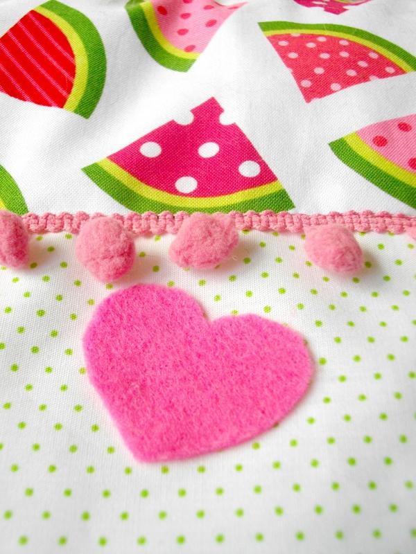 coeur-futrne-galon-pompon-rose-tissu-pastèque