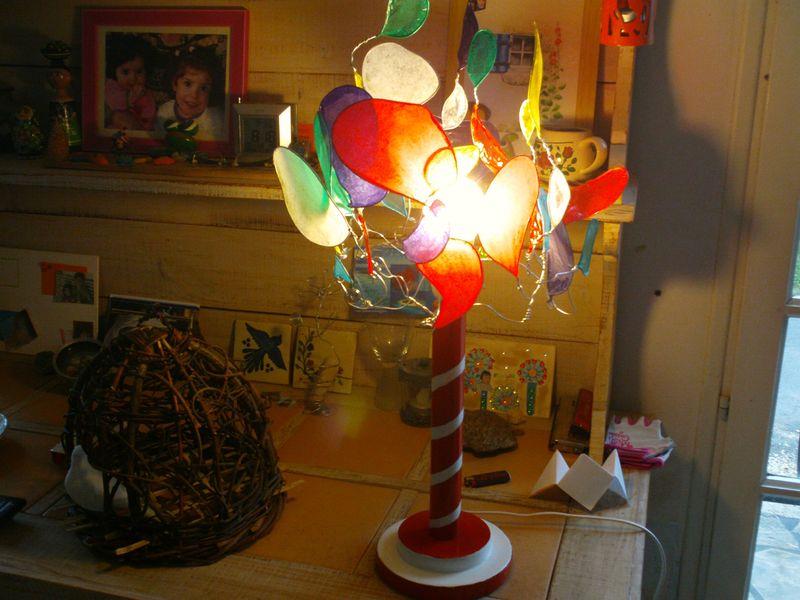 venise lampe poser pied bois r cup peint fil de fer papier de soie artefactes. Black Bedroom Furniture Sets. Home Design Ideas
