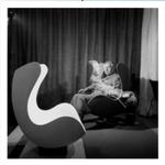 egg_chair_n_b