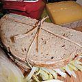 Un sandwich au pain à la bière dans la musette pour aller taquiner la truite