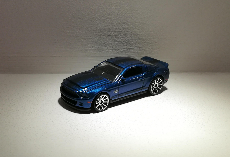 Ford Shelby GT500 Super Snake (Hotwheels)