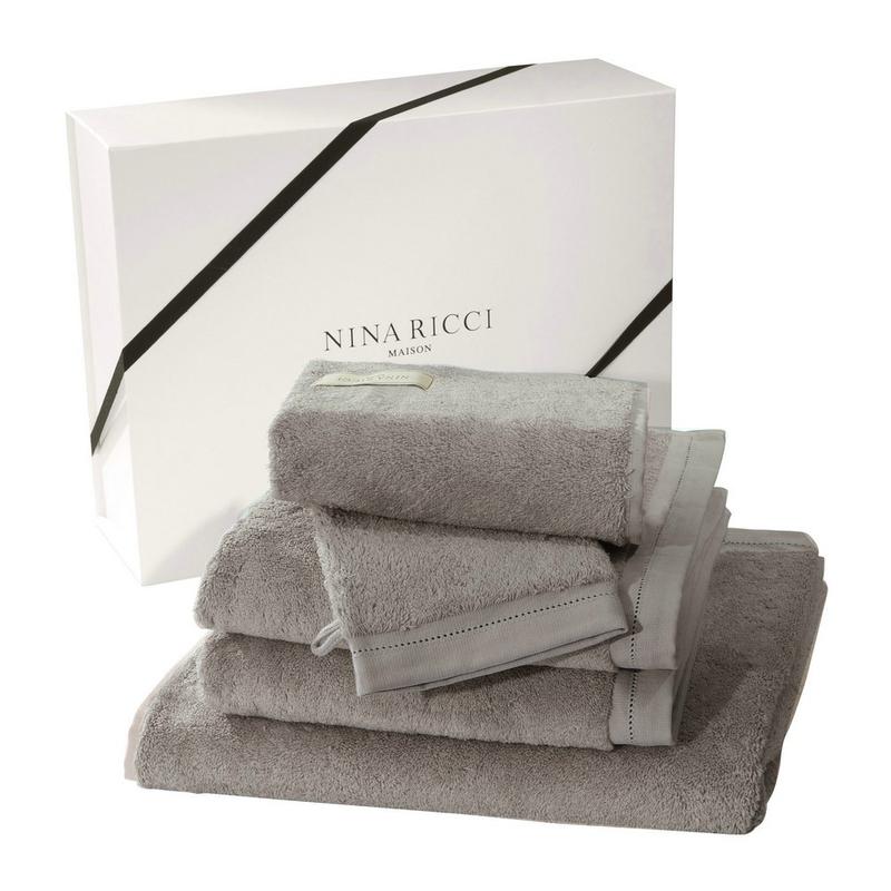 Coffret_cadeau_Nina_Ricci_linge_de_toilette_Ecume_des_jours_perle