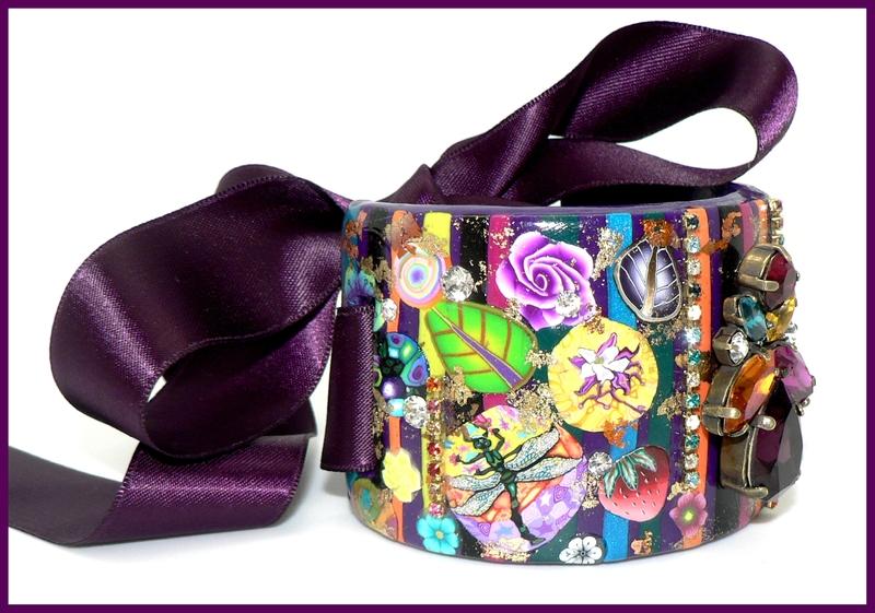 Manchette multicolore fond violet et cristal
