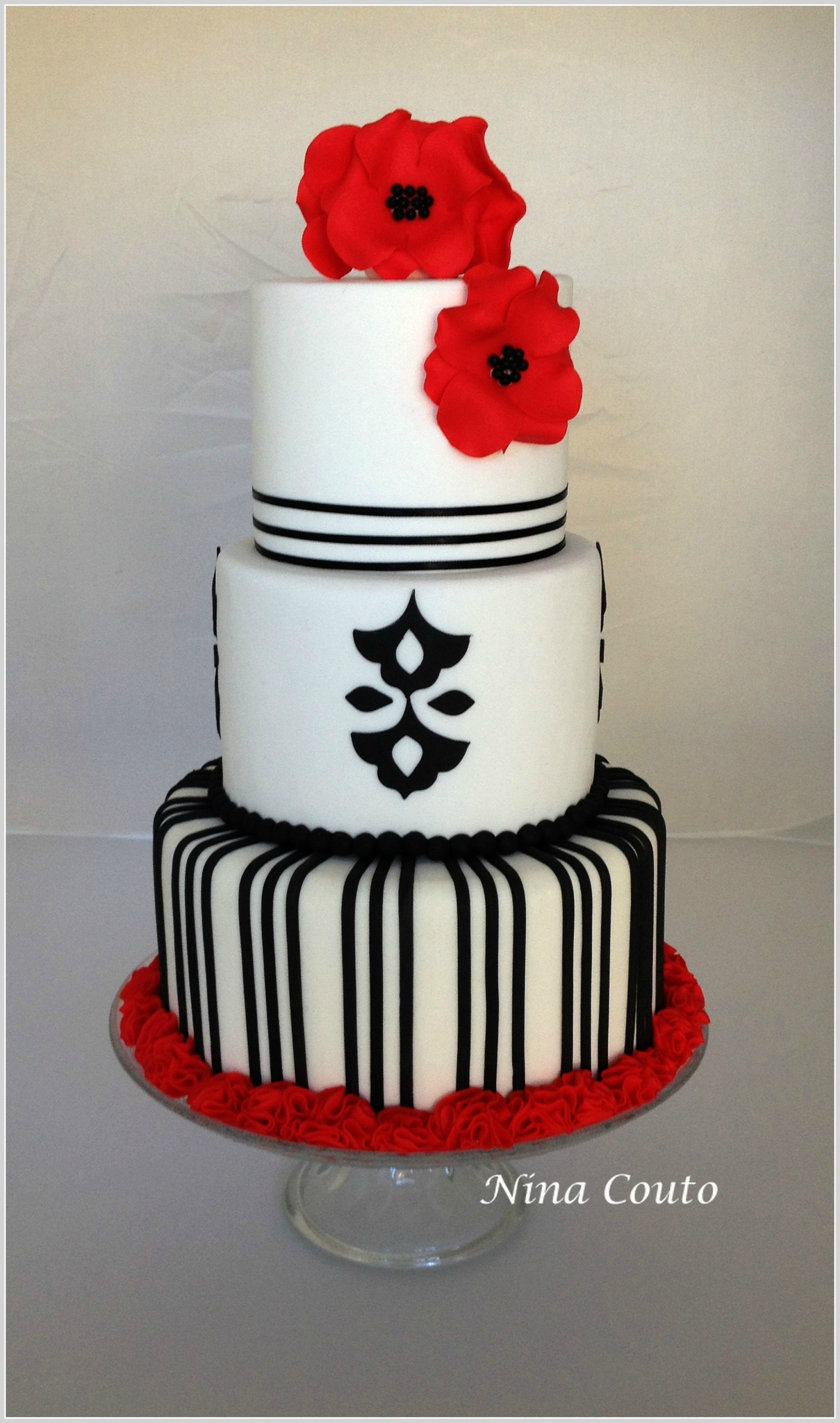Wedding cake nina couto noir et rouge