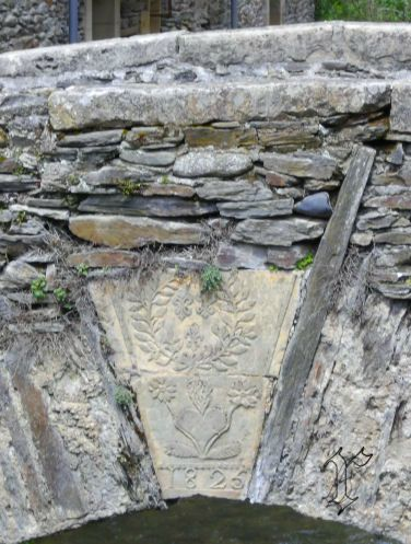 44_Estaing_pont_blason