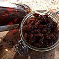 Extrait de vanille liquide et raisins au rhum