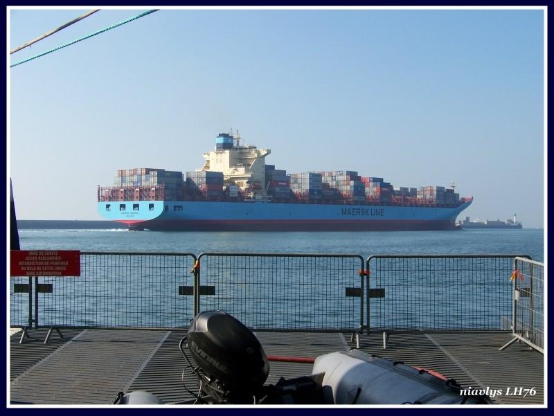 Le Maersk TANJONG sort du Port du Havre