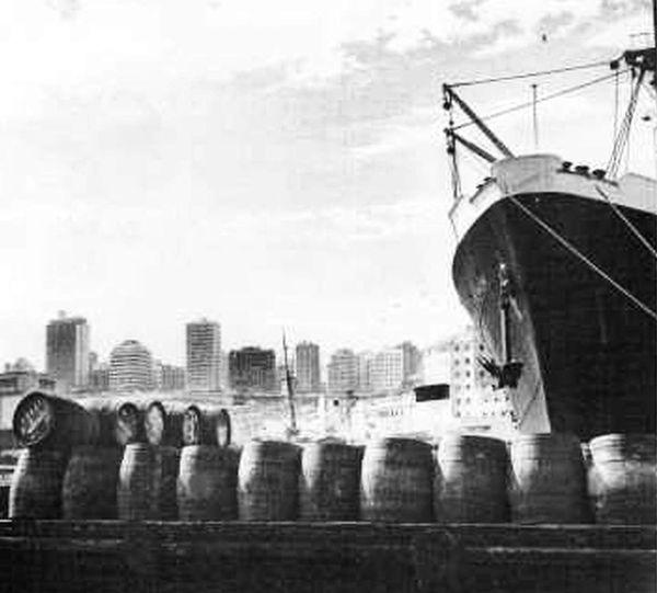 Oran- 033- travail sur les quais