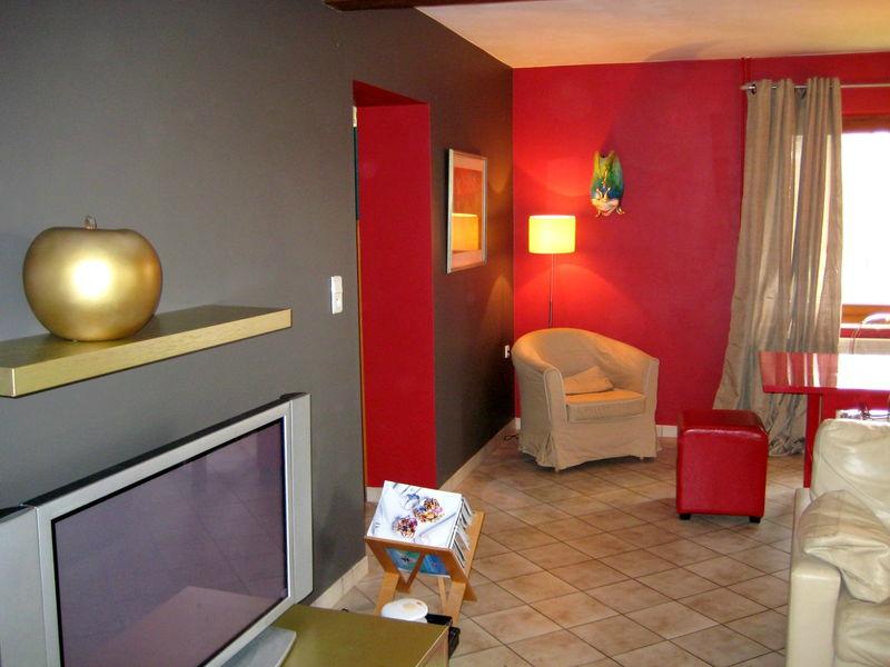 Best Deco De Salon Avec Les Couleurs Bordeau Et Doree Images - House ...