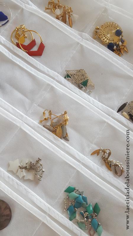 Range bijoux (blanc) détails - 14 €