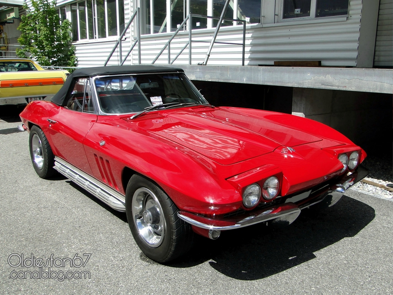 chevrolet-corvette-sting-ray-convertible-1965-1966-01