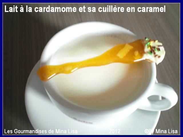 lait à la cardamome et sa cuillère en caramel