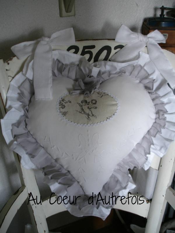 Dossier de chaise en coeur Réf C040 (2)