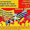 Manifestation pour les langues régionales devant l'unesco