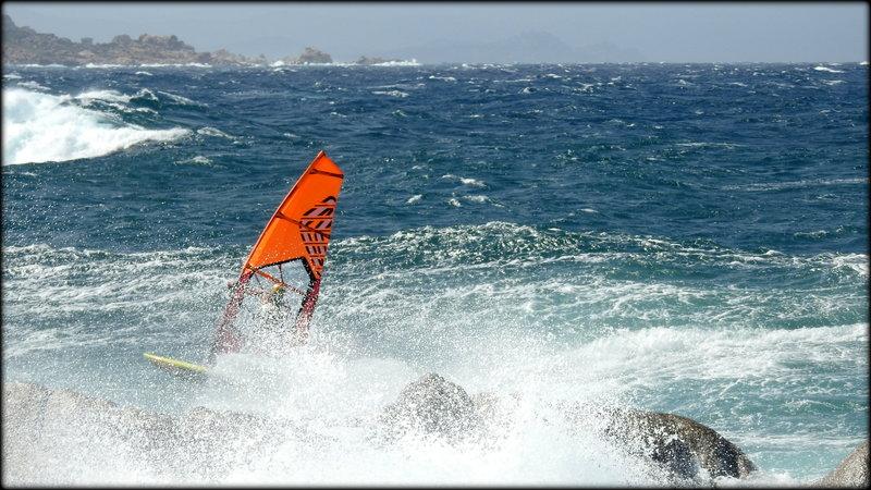 FIN_DE_SURF___ENTRE_LES_DEUX_SPOTS__LIAISON_