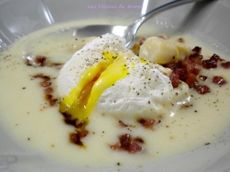 Velouté d'asperges, croustillant de jambon cru et œuf poché 2