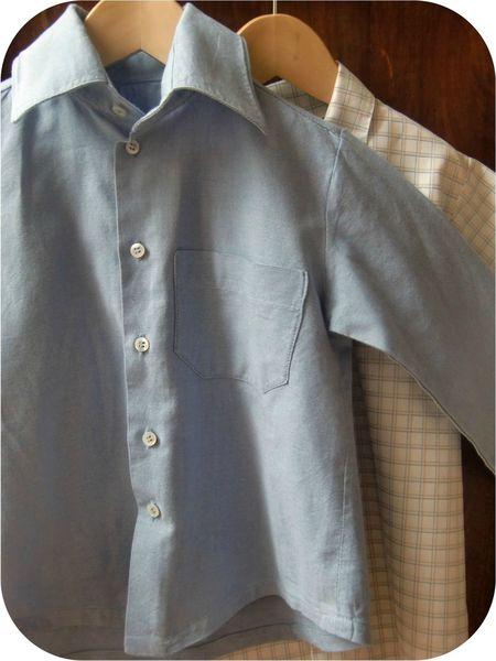 Chemise et chemisette accrochées