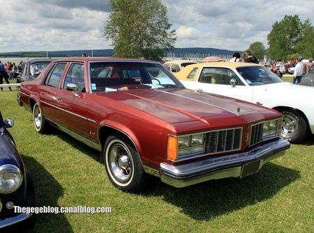 Oldsmobile delta 88 royal de 1979 (Retro Meus Auto Madine 2012) 01