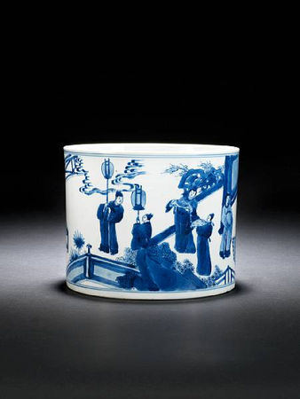A_large_blue_and_white_cylindrical_brushpot__bitong