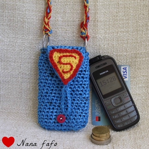 pochette_telephone_superman