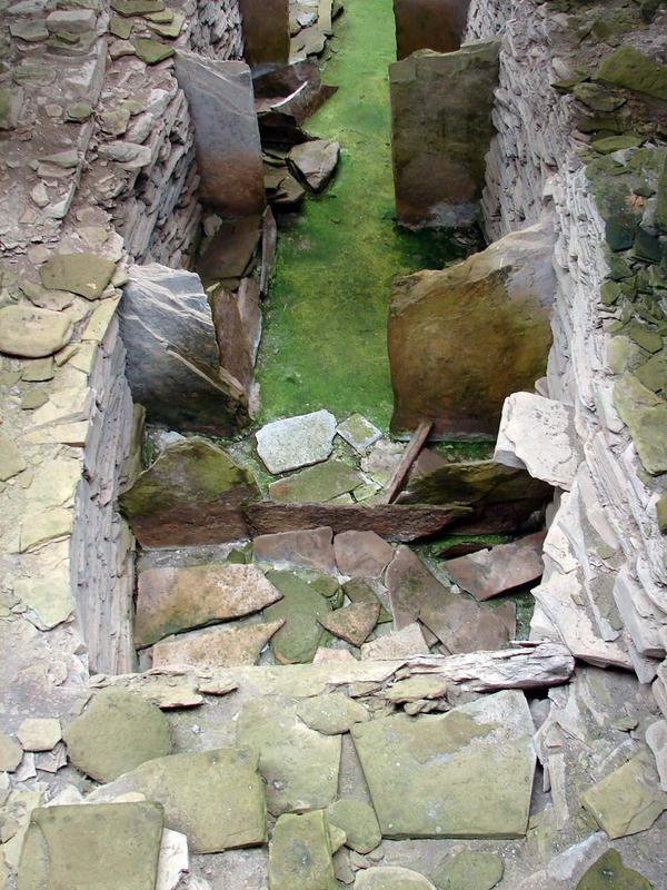 Rousay_Midhowe_cairn_6