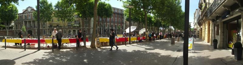 Kamash sur le stand OXYMORON Editions - Sant Jordi al carrer Perpignan 26.04.2014