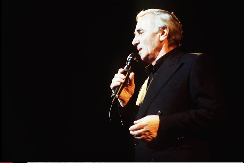 7793361641_charles-aznavour-au-palais-des-congres-le-19-octobre-1994