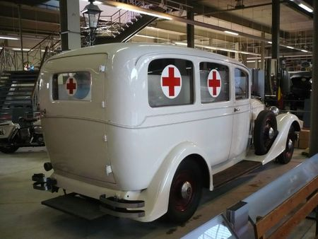 PACKARD Eight ambulance 1933 Bruxelles Autoworld (2)