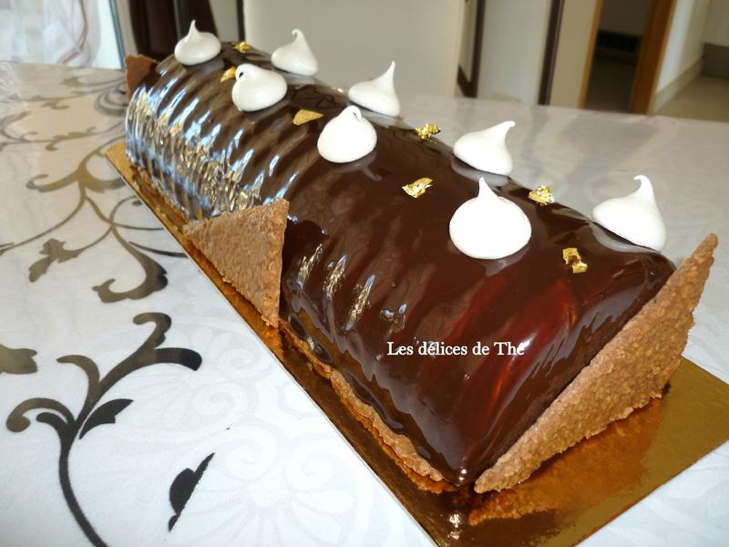 Bûche mousse chocolat insert meringue et ganache caramel beurre salé et miroir chocolat 23 12 16 (8)