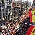 Des centaines de milliers d'opposants à l'indépendance catalane défilent à barcelone