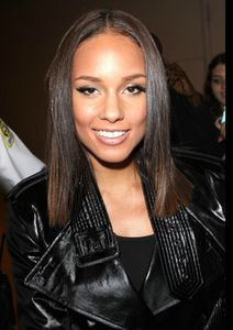 alicia-keys-long-straight-hairstyle-09-723x1024
