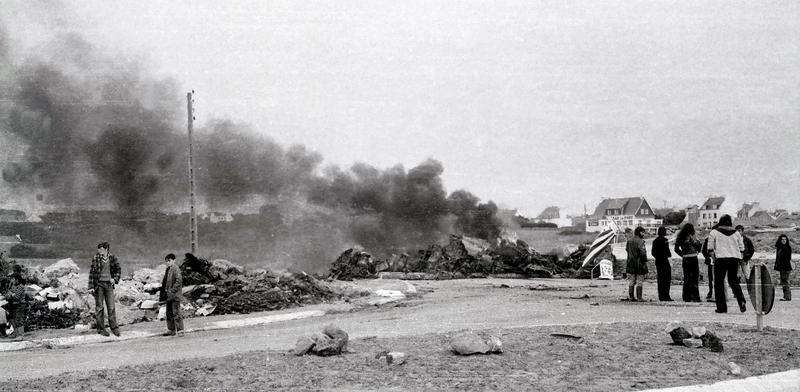 Ch38 - Non au nucléaire au Loch - La barricade, Libérez nos otages le dimanche 6 juillet 1980 c