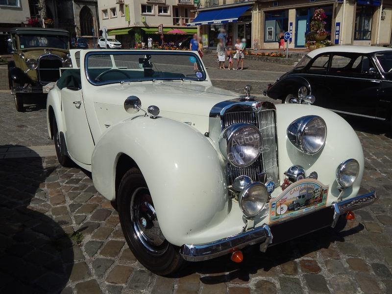 TriumphTR2000av1