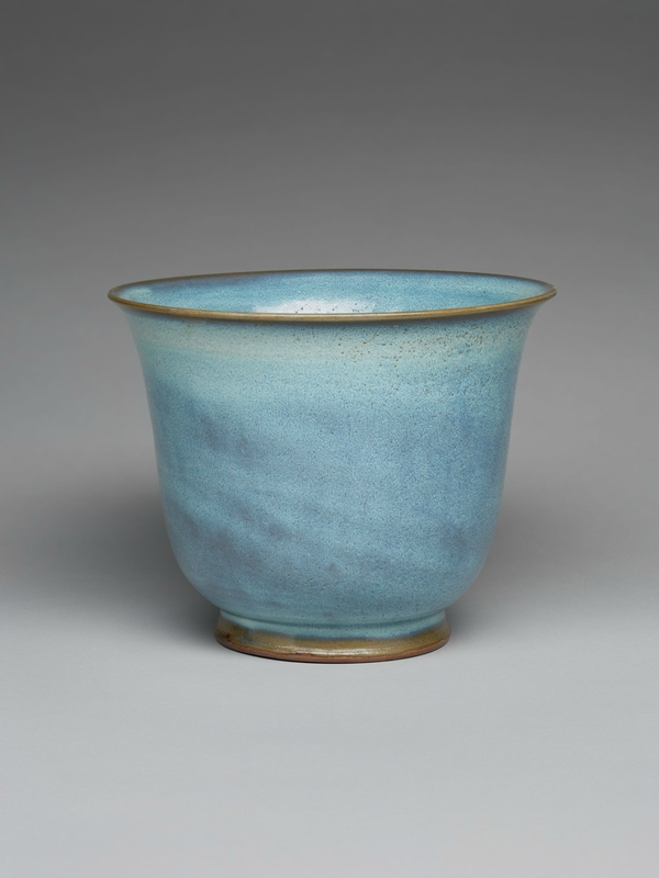 Inverted Bell-Shaped Flowerpot with Flaring Lip, Ming dynasty, 1368-1644, probably 15th century