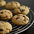 Cookies à la purée de noix de cajou, au citron vert & aux raisins secs : une pépite d'or jaune