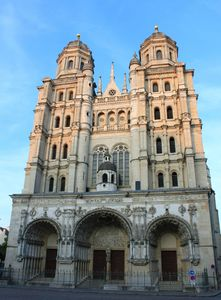 Dijon_-_Eglise_Saint-Michel_5[1]